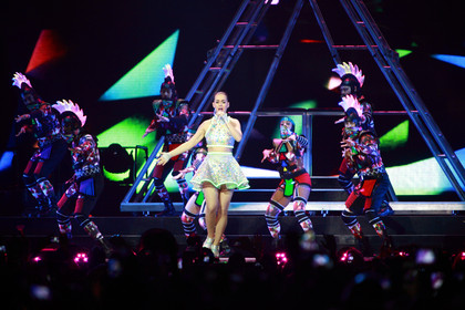 Opulent - Fotos: Katy Perry live in der Lanxess Arena in Köln